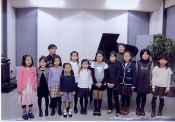 河合先生と子どもたち001.jpg
